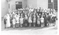 St Albans Primary In WW2 Costumes